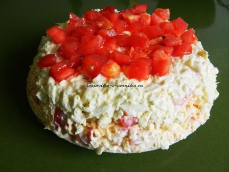 tort-salat-s-krabovymi-palochkami