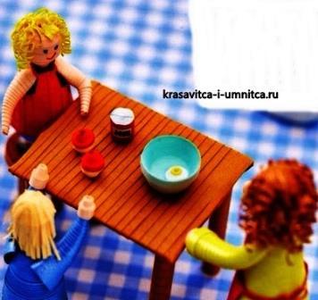 figurki-za-obedennym-stolom-v-tehnike-kvilling